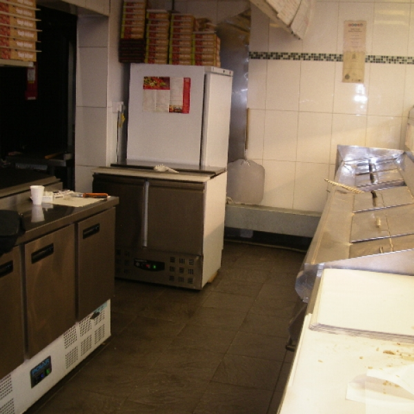 HIGH TURNOVER FISH CHIPS AND PIZZA TAKEAWAY IN PRIME LOCATION IN TYNE AND WEAR